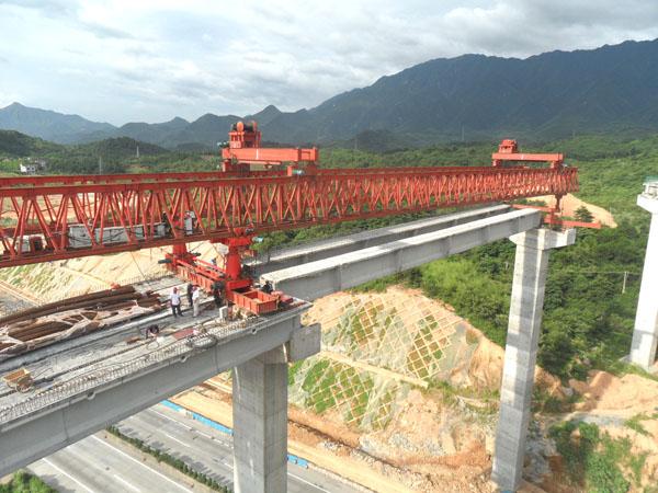 50—200公路架桥机